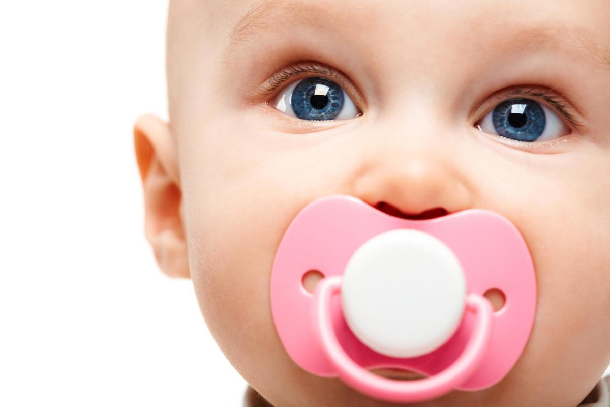4 Cara Membersihkan Empeng Bayi yang Baik dan Benar