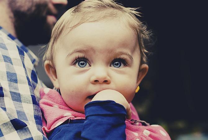 Nama Bayi Perempuan Bermakna Cerdas dan Beruntung