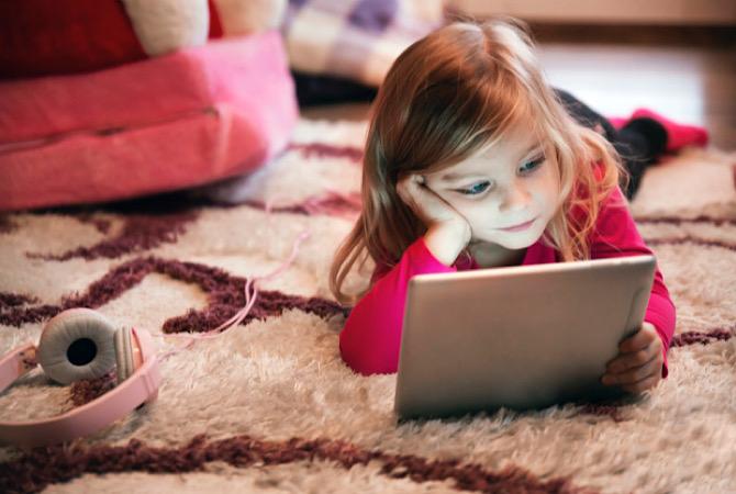 Waspada! Bahaya Penggunaan Gadget Secara Berlebihan pada Anak