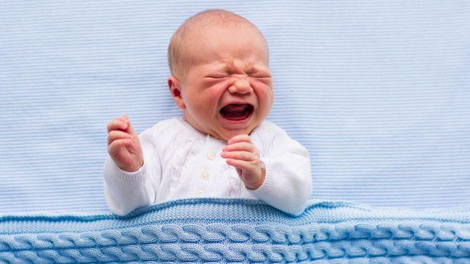 10 Penyebab Bayi Menangis, Ini Alasannya!