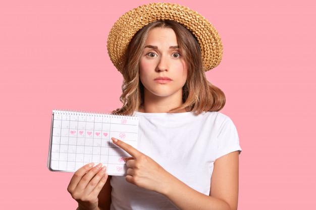 Penyebab Menstruasi Terlambat Tidak Selalu Hamil, Kenali Penyebabnya Dahulu, Moms!