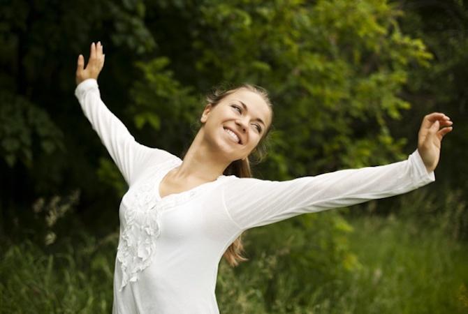 5 Gerakan Yoga Prenatal yang Aman dan Nyaman