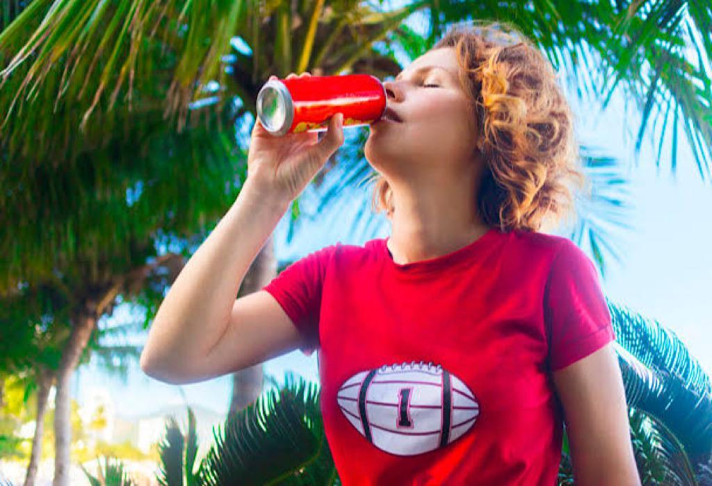 Bolehkah Ibu Menyusui Minum Soda? Cek Faktanya