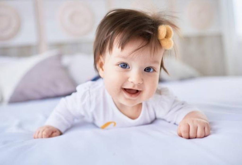 Ragam Manfaat Tummy Time dan Cara Membuat Bayi Nyaman Saat Melakukannya