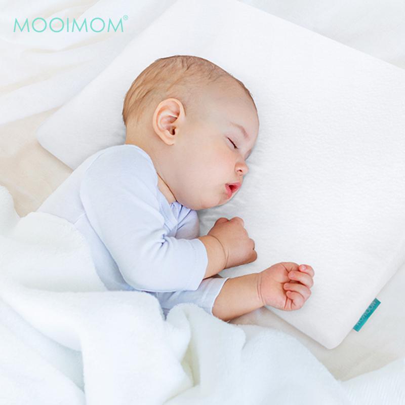 MOOIMOM Sloped Pillow